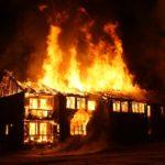 Viktor räddade kvinna ur brinnande hus