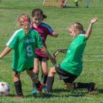 Hon lockar tjejer till fotbollen – kan prisas för sitt arbete